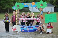 Check out this creative tropical cookie booth.  #BlingYourBooth #GSSNcookies2015