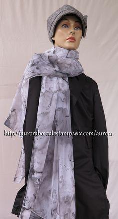 Echarpe em musseline 200x70 cm com estamparia manual (pintado à mão). É um produto único e exclusivo Aurora Boreal Estamparia.  WhatsApp: +55 (21) 99799-3686   #estamparia manual #estampariaartesanal  #handmade #modafeminina tecido/ fashion/ diy/ style/ foulard/ couture/ femme/ tecido/ fashion/ tissus/ mode