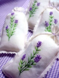 Lavender sachet-to give as wedding favors Lavender Crafts, Lavender Bags, Lavender Sachets, Lavender Cottage, Lavender Fields, Lavender Flowers, Ribbon Embroidery, Cross Stitch Embroidery, Embroidery Patterns