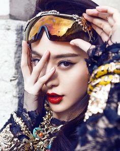"2,502 Likes, 15 Comments - FanBingbing FansPage 范冰冰官方粉丝团 (@fanbingbing_official) on Instagram: ""#FanBingbing #BingbingFan #范冰冰 #China #Beauty #Queen #GoodNight #晚安"""