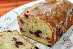 lemon blueberry pound cake -- pdl -- This cake needs more lemon in both the cake and icing. Not a very sweet cake. Lemon Blueberry Pound Cake, Blueberry Bread, Banana Nut Bread, Lemon Bread, Lemon Loaf, Blueberry Recipes, Fresh Bread, Nut Bread Recipe, Bread Recipes