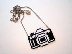 kamera halskæde - designet af Ida in Cosy Accessorice by Cosy Girls