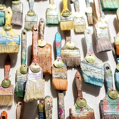 As a way for our campus to have a piece of stores, Anthropologie hung well-loved paint brushes from various locations – Paramus, Miami Beach, Palo Alto and