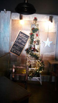 Decoración navideña de estilo urbano para  Kahlo Gourmet