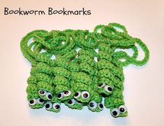 Bookworm Bookmark By Carolyn - Free Crochet Pattern - (penny-hill) Crochet Books, Love Crochet, Crochet Gifts, Crochet For Kids, Crochet Flowers, Knit Crochet, Crochet Book Cover, Crocheted Afghans, Crochet Stitches