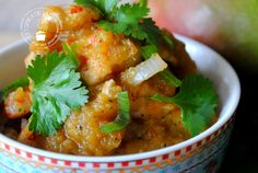 Kip in mangosaus/ Slowcooker Mango Chicken Cooks Slow Cooker, Crock Pot Slow Cooker, Slow Cooker Recipes, Cooking Recipes, Healthy Dishes, Healthy Recipes, Healthy Food, Mango Curry, Multicooker