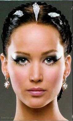 Academy Award Winning Actress Jennifer Lawrence, best-known for playing Katniss Everdeen in The Hunger Games (2012), was born in Louisville, Kentucky on August 15, 1990. Her career began when she spent a Summer in Manhattan at the age of 14.App puzzle features: - free - set as wallpaper - updates  http://Mobogenie.com