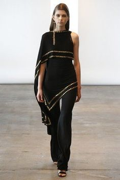 Donna Karan Resort 2014 Collection - Take a peek at the elegant ensembles comprised in Donna Karan's resort 2014 line! Look Fashion, Fashion News, Runway Fashion, High Fashion, Womens Fashion, Fashion Trends, Fashion Design, Donna Karan, Party Mode