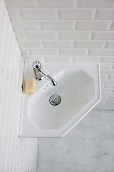 Traditionally inspired wall hung corner cloakroom basin Comes with 1 pre-drilled tap hole Expertly crafted from vitreous china 25 year manufacturer's guarantee Corner Basin, Corner Vanity, Cloakroom Basin, Bathroom Basin, Small Toilet Room, Small Bathroom, Bathrooms, Corner Sink Bathroom, Bathroom Ideas
