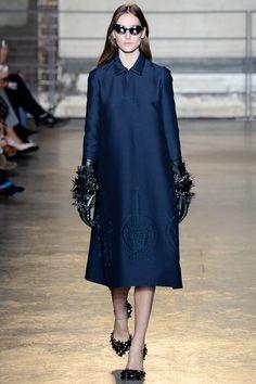 I love this look. It's like the Matrix meets high fashion. <3 #Rochas #Fall2014 #FashionWeek