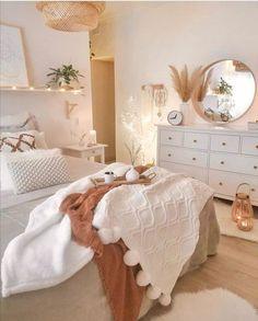 Cute Bedroom Ideas, Room Ideas Bedroom, Home Bedroom, Bedroom Inspo, Boho Teen Bedroom, Bedroom Modern, Trendy Bedroom, Bedroom Inspiration, Bedroom Wardrobe