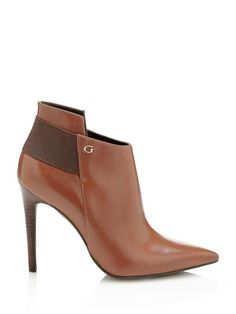 This leather ankle boot brings a unique touch of class to daywear, and is a must for completing classic style