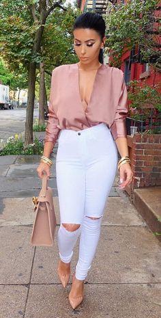Strutin' through these NYC streets Top @nakedwardrobe Jeans @hotmiamistyles Shoes @louboutinworld Bag @lyalya__