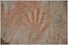 Des geants annunakis aux  mains à six doigts sur des sites archeologiques a travers le monde