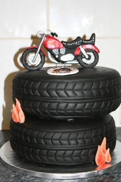 Finally - a really good use for fondant. Cake by Candlewick Cakes. #motorcycle #tires