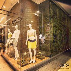 Vitrine K9 no Itaú Power Shopping! Projeto Viés design! #k9 #lovek9 #itaupowershopping #contagem #botanical #design #fashion #instavitrine #instafashion #moda #manequim #projeto #shopping #vm #vitrinismo #vitrines #visualmerchandising #vitrina #vitrine #verao2015 #viesdesign #viésdesign