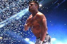 En el 82 Aniversario del CMLL La Sombra pierde su máscara ante Atlantis