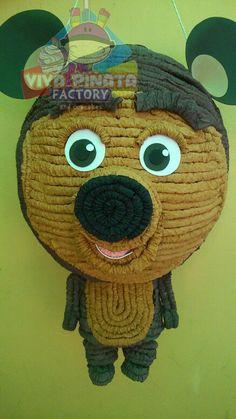 Piñata Masha y el Oso... Recuerden nuestra promoción de Piñata más palo piñatero más kilo y medio de dulces por  $550.