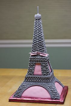 Eiffel Tower Birthday Cake Munday time to beat the owl cake! Pretty Cakes, Cute Cakes, Beautiful Cakes, Amazing Cakes, Crazy Cakes, Fancy Cakes, Girly Cakes, Unique Cakes, Creative Cakes