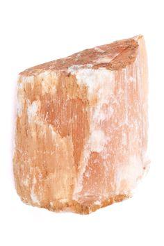 Alabaster ist eine reine Form von Gips, bei welcher in einer Kristallrichtung  Durchsichtigkeit besteht, in die beiden anderen ist der Kristall undurchsichtig weiß. Aus Alabaster wurden schon im Alten Ägypten und bis heute künstlerisch wertvolle Gegenstände hergestellt.  Berühmt sind Alabastervasen und Alabasterlampen. Die Etrusker hatten eine sehr produktive Alabasterindustrie.