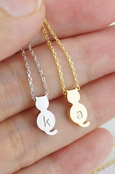 Personalised kitty cat modern minimalist necklace from EarringsNation