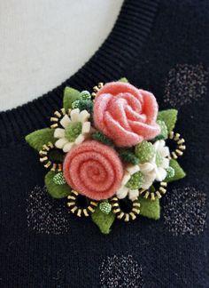 Felt flower pendant/brooch by woollyfabulous on Etsy