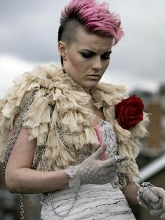 Kelly (Chanel Cresswell), This is England (I think.) This whole film/series has so much style! Making me want my sidecut even more. This Is England 90, Shane Meadows, St George Flag, England Fashion, Skinhead, Hair Shows, Punk Fashion, Style Fashion, New Pictures