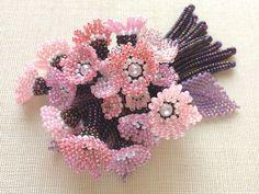 Розовый небольшой цветочный сад букет брошь