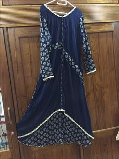 Stylish Dresses For Girls, Girls Dresses, Kalamkari Dresses, Indian Gowns Dresses, Designs For Dresses, Indian Designer Wear, Women's Fashion Dresses, Dress Patterns, Casual Chic