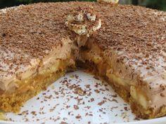 """Η Συνταγή είναι της κ.Gogo Samiou -""""ΟΙ ΧΡΥΣΟΧΕΡΕΣ / ΗΔΕΣ"""".    ΥΛΙΚΑ    1 Πακέτο μπισκότα τύπου πτι-μπερ η Digestive  100 γρ λιωμένο βούτυρο  1 κουτί καραμελωμενο ζαχαρούχο έτοιμο  3 μπανάνες ώριμες  Χυμό από μισό λεμόνι  1 κουτί τσίγκινο σαντιγί ερμολ  2 κουταλιές σούπας καλά Banoffee, Nutella, Sweet Recipes, Tiramisu, Cookie Recipes, Recipies, Cheesecake, Sweets, Bread"""