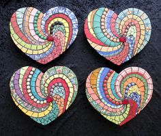 Valentine Heart Mosaic Decor Ideas - Crafts to Make and Sell - Valentines Day Ideas Tile Art, Mosaic Art, Mosaic Glass, Mosaic Tiles, Glass Art, Stained Glass, Mosaic Crafts, Mosaic Projects, Mosaic Designs