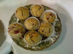 Low calorie and dairy free Raspberry Muffins, Healthy Treats, Dairy Free, Breakfast, Food, No Dairy, Meal, Healthy Sweet Treats, Eten