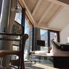 """Gefällt 158 Mal, 8 Kommentare - Design Hotel Matterhorn Focus (@matterhornfocus) auf Instagram: """"Who can spot the famous #Matterhorn?  #roomwithaview ✔️ room 401 @matterhornfocus #zermatt…"""" Design Hotel, Zermatt, Swiss Alps, Room, Instagram, Switzerland Destinations, Alps Switzerland, Bedroom, Rooms"""