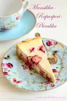 Pullahiiren leivontanurkka: Mansikka-raparperipiirakka Strawberry Rhubarb Pie, Yummy Food, Delicious Recipes, Sweet Treats, Pudding, Sweets, Canning, Dinner, Breakfast