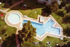Aeriel view of huge swimming pool. (3888×2592)