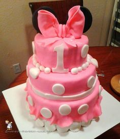 1st Birthday Minnie Mouse Cake... Coolest Birthday Cake Ideas