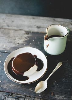 Coconut crème fraîche panna Cotta with dark chocolate (Dark Chocolate Sauce)