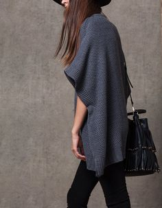 At Stradivarius you'll find 1 Tricot cape jersey for woman for just 199.9 HRK . Visit now to discover this and more CAPES.