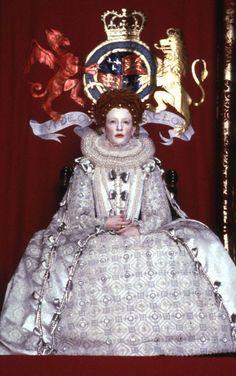 Queen Elizabeth I (Cate Blanchett) 'Elizabeth' 1998. The 'Virgin Queen' costume designed by Alexandra Byrne.