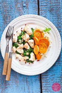 Kurczak ze szpinakiem, prosty, szybki, a do tego elegancki #obiad i jakie kolory można mu wyczarować :).  http://dorota.in/kurczak-ze-szpinakiem/  #kurczak #szpinak #przepis #kuchnia