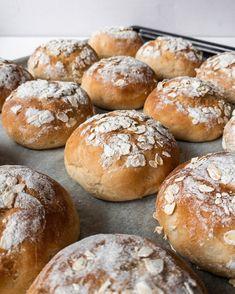 Sweet Bread, Bread Baking, Hamburger, Food And Drink, Health Fitness, Desserts, Recipes, Recipe, Baking