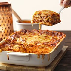 5 Secret Tricks to Making the Best Lasagna Ever Dishing out a serving of the Best Ever Lasagna lasagna recipe Lazana Recipes, Homemade Lasagna Recipes, Yummy Pasta Recipes, Italian Recipes, Cooking Recipes, Healthy Recipes, Classic Lasagna Recipe, Recipes, Healthy Meals
