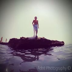 """""""Salto al mar"""", de Oscar García (@adolphotography), ganador 4ª semana del concurso #elcampello en Instagram #esenciamediterranea"""