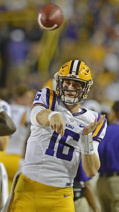 LSU's new starting QB Danny Etling 'ridiculous' at Madden, does yoga, but something else impressed teammates