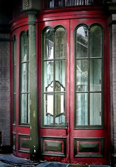French Quarter curved window, New Orleans
