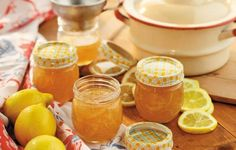 Sunny Lemon Marmalade - Grandma brightened everyone's day when she brought over jars of freshly made lemon marmalade. Mousse, Lemon Marmalade, Looks Yummy, Recipe For Mom, Canning Recipes, Hot Sauce Bottles, Chutney, Love Food, Great Recipes
