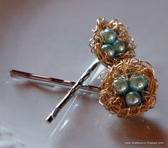 Bird's nest bobby pins