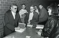 Best-Selling Novelist Tom Clancy Dies At 66 - http://www.beehiveheadpublishing.com/best-selling-novelist-tom-clancy-dies-at-66/