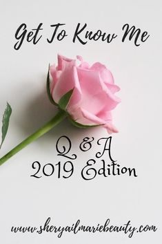 Get To Know The Girl Behind The Blog: Q & A 2019 Edition Getting To Know, Style Icons, Place Card Holders, Posts, Lifestyle, Blog, Beauty, Fashion, Moda