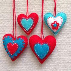 Felt ornaments - Hot pink felt heart ornaments set of four, wedding favor, Valentines Day – Felt ornaments Valentines Day Messages, Valentine Heart, Christmas Hearts, Felt Christmas, Xmas Crafts, Valentine Crafts, Heart Crafts, Heart Ornament, Felt Patterns